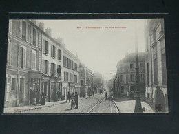 CHAMPIGNY SUR MARNE   / 1910 /    VUE   RUE ANIMEE +  COMMERCES  ....   / CIRC /  EDITION - Champigny Sur Marne