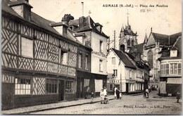 76 AUMALE - La Place Des Moulins - - Aumale