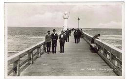 CP PHOTO  - 62 - CALAIS - Sur La Jetée - - Calais