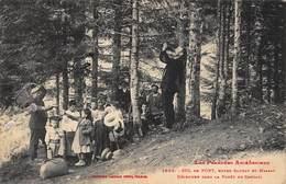 CPA LES PYRENEES ARIEGEOISES - COL De PORT, Entre Saurat Et Massat - Déjeuner Dans La Forêt De Candail - France