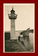 St Quay-portrieux * Le Phare     ( Scan Recto Et Verso ) - Saint-Quay-Portrieux