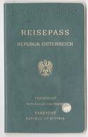 1987 REISEPASS  REPUBLIK OSTERREICH,PASSPORT REPUBLIC OF AUSTRIA  32 PAGES - Historical Documents