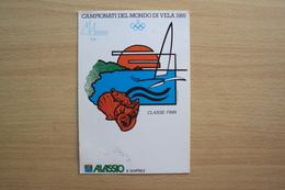 ITALIA CARTOLINA ILLUSTRATA DEI CAMPIONATI DEL MONDO DI VELA 1989 CLASSE FINN ALASSIO SAVONA LIGURIA FRANCOBOLLO ISOLATO - Savona