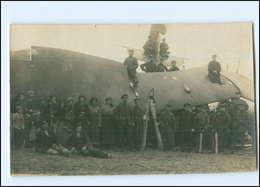 Y10154/  Abgestürztes Flugzeug 1. Weltkrieg Soldaten Foto AK Ca.1915  - Guerre 1914-18