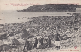 CPA Dept 50 FERMANVILLE Rochers Et Fort Declassé Du Cap Levy Soldats Assis Sur Les Rochers - France