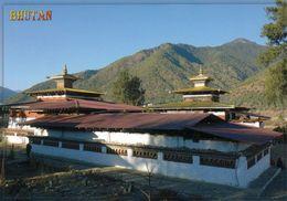 1 AK Bhutan * Das Kloster Kyichu Mit 2 Tempeln Der Gleichen Bauweise, Einer Aus Dem 7. Jh. Der Andere Von 1968 * - Bhutan