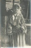 CPA ROUMANIE ROUMANIA Jeune Femme En Tenue Locale - Romania