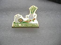 Pin's Du Club De Bowling De L'ASL De La ROBERTSAU à STRASBOURG - Bowling