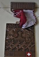 Rare Médaille Suisse Andermatt 1985 Ski De Fond Format 3.5 X 4.5 Cm - Altri Paesi