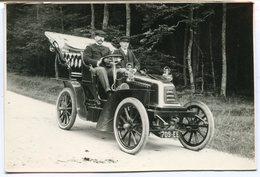 CPA - Carte Postale - Transport - Voiture Ancienne Avec 2 Hommes (B8984) - Voitures De Tourisme