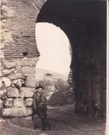 BURGOS Arc Arabe 1947 Arrivée Du Cirque Photo Amateur Format Environ 7,5 X 5,5 Cm ESPAGNE - Lugares