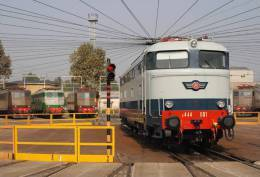 140 E 444.001 Savigliano Milano Cartoline Treni Tpaívo Railroad Trein Railways Postcards Zug Treno - Treni