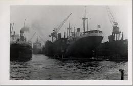 BARCOS / SHIPS , TARJETA POSTAL NO CIRCULADA ,  BARCOS DE VAPOR EN PUERTO DE HAMBURGO - Schiffe