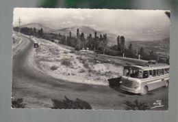 CP (05) Un Virage Dans La Montée Du Col Bayard - Autobus - France