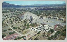 Mexico Plaza Y Piramide De La Luna.Teotihuacan. - México
