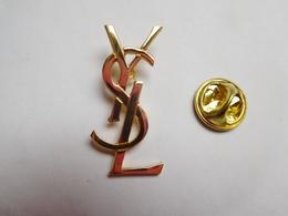 Beau Pin's , Parfum , YSL , Yves Saint Laurent  , Dimensions : 15x31 Mm - Perfume