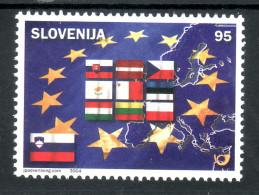 1172/ Slovenia 2004 Mi.No. 469 ** MNH Flag Latvia Cyprus Czech Estonia Hungary Malta Poland Slovakia Lithuania Latvia - Briefmarken