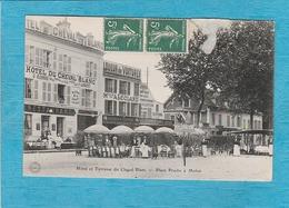 Melun. - Place Praslin - Hôtel Et Terrasse Du Cheval-Blanc. - Melun