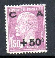 N 251 / + 50 C Sur 1 Franc 50 Lilas  / Caisse D'amortissement  / NEUF **  / Défaut Dentelure Coin Gauche / Côte 120 € - Ungebraucht
