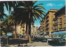 Albenga: FIAT 2100, LANCIA FLAVIA BERLINA 1.5, CITROËN 2CV, PIAGGIO APE - Piazza Del Popolo - Passenger Cars