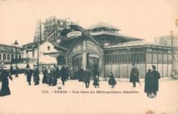 75 PARIS UNE GARE DU METROPOLITAIN BASTILLE CARTE PRECURSEUR PAS CIRCULEE - Métro Parisien, Gares