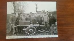 Retirage D'une Photo De Pompiers Devant  Motopompe - Métiers