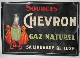 Lot. 1076. Panneau Publicitaire Des Sources Chevrons. Gaz Naturel Sa Limonade De Luxe. En Carton épais Sur Du Métal - Brands
