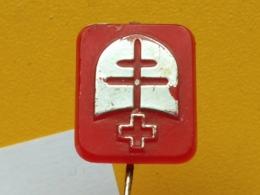 LIST 112- Red Cross, Croix Rouge, SERBIA, Plastic Pin, Tuberculose, Tuberculosis - Medical