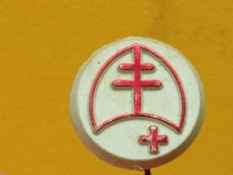 LIST 112- Red Cross, Croix Rouge, Plastic Pin, Yugoslavia,  Tuberculose, Tuberculosis - Medical