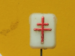 LIST 112- Red Cross, Croix Rouge, Plastic Pin, Yugoslavia  Tuberculose, Tuberculosis - Médical