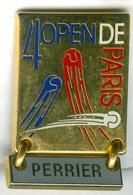 Pin's Arthus Bertrand - Tennis Open De Bercy 4ème édition Perrier Cartouche Gris - Tennis