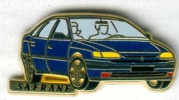 Pin's Arthus Bertrand - Voiture Automobile Renault Safrane Couleur Bleue - Renault