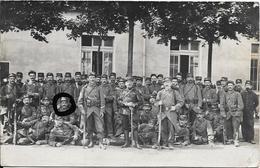 Carte Photo : Groupe De Militaires, écrite De Lyon  En 1914 - (J. GOUT Photographe à Lyon) - Personnages