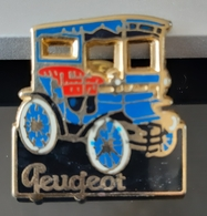 PIN'S PEUGEOT VOITURETTE AUTOMOBILE HELIUM VOITURE ANCIENNE TACOT BADGE ANTIQUE CAR CARRO AUTO TRANSPORT - Peugeot