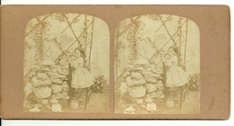 PHOTO STEREOTYPE SUR SUPPORT CARTON / PETITE FILLE - PRIERE A LA VIERGE - Anciennes (Av. 1900)