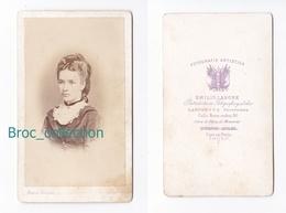 Photo Cdv D'une Jeune Fille, Femme, Photographe Emilio Lahore, Buenos Aires, Album Seguin, Circa 1875 - Anciennes (Av. 1900)