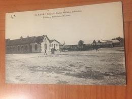 AVORD- Centre Militaire D'aviation, Cuisine Refectoire Et Lavoir - Avord