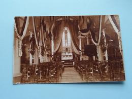 Kerk KASTER (Caster) Binnenzicht / Versiering Inhuldiging ( Fotokaart ) Anno 1920 / 30 ( Zie / Voir Photo ) ! - Eglises Et Couvents