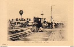 DAHOMEY  COTONOU- Le Wharf   … Avec Locomotive Et Éolienne - Dahomey