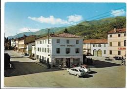 Cavaso Del Tomba (Treviso). Piazza 13 Martiri. Auto, Car, Voitures. - Treviso