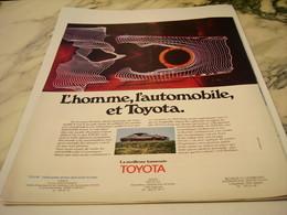 ANCIENNE PUBLICITE  L HOMME L AUTOMOBILE ET TOYOTA 1975 - Voitures