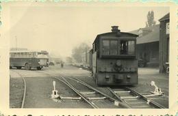 TRAM:  HL395  Waremme : Tirant Un Train De Truck A Grand écartement      9 X 6 Cm ( See Detail )  1956 - Trains