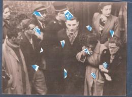Liege Photo Seraing Colliery Desastre Minier Mijnramp 26.10.1953  Famile De 26 Mineurs Et Gendarme Attend Des Nouveles - Seraing