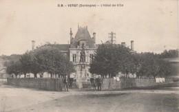 B15- 24) VERGT (DORDOGNE) HOTEL DE VILLE  - (PETITE ANIMATION -  2 SCANS) - France