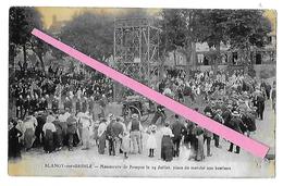 BLANGY SUR BRESLE  Manoeuvre De Pompes Le 14 Juillet Place Du Marché Aux Bestiaux ( Reproduction) - Blangy-sur-Bresle