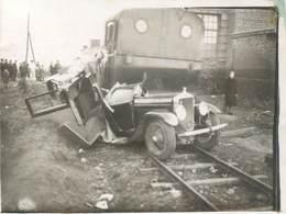 """CPA /PHOTO FRANCE 45 """"Douchy"""" / ACCIDENT VOITURE / TRAIN - Autres Communes"""