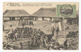 Belgisch Congo Belge Noirs Réunissant Du Bois Pour Le Chauffage Des Vapeurs CPA PK EP - Congo Belge - Autres