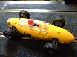 SCALEXTRIC Triang FERRARI 156 Amarillo N 22 Guia Movil Made In Spain - Circuitos Automóviles