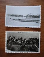 2 Photos De La Rochelle Août 1945 - La Pallice Base Sous-marine Allemande, Liberty Ship Et Chantiers Navals - Guerre, Militaire
