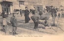 13-MARSEILLE-SUR LE PORT, UN TONDEUR D'ÂNES - Vieux Port, Saint Victor, Le Panier